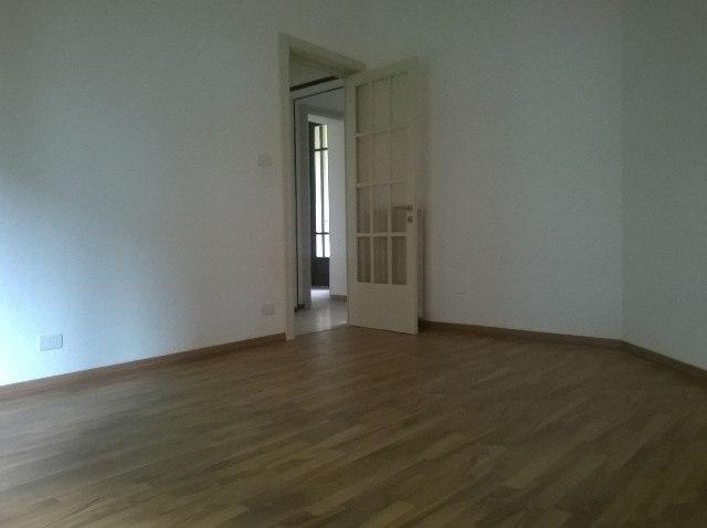 Alessandria affitto alloggio senza mobili sala - Mobili in affitto ...
