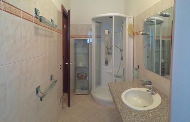 Alessandria vendita quadrilocale box doccia alessandria casa