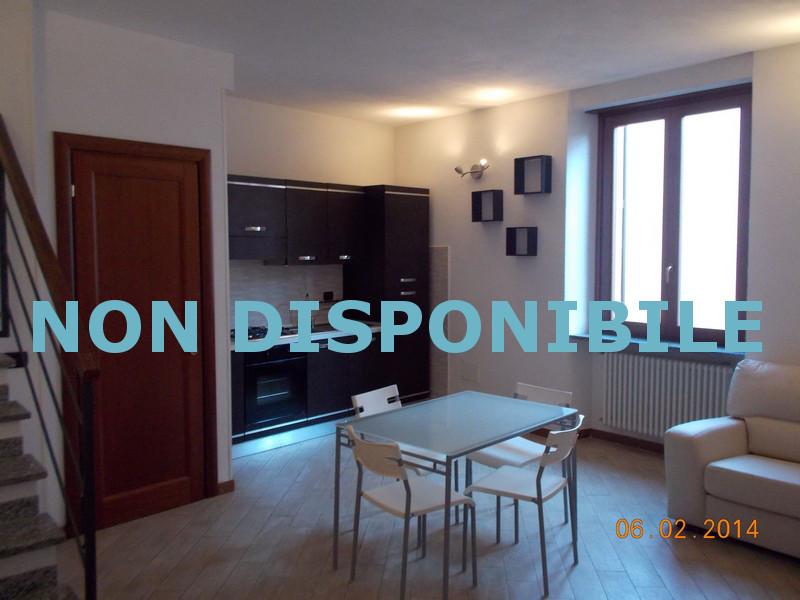 Appartamento arredato in affitto ad alessandria for Soggiorno arredato