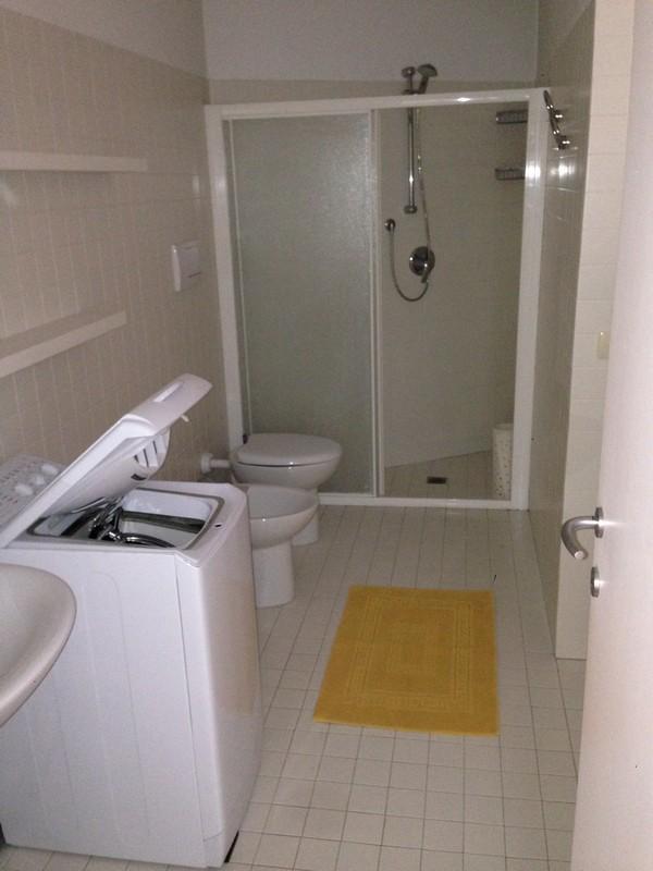Appartamento arredato con terrazza in affitto ad alessandria for Affitto carpenedolo arredato
