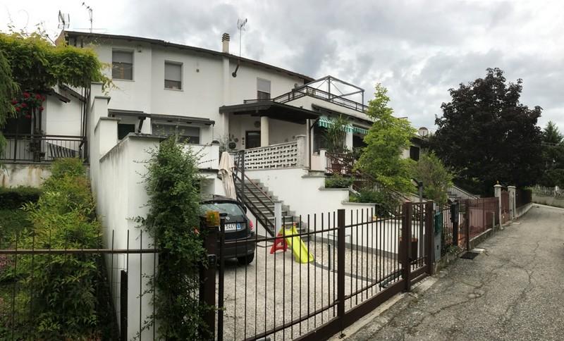 Villetta con giardino in vendita nei dintorni di alessandria for Case in vendita con casa suocera