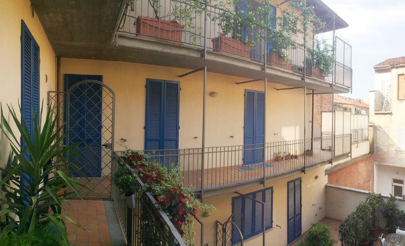 Appartamento arredato con terrazzo in affitto bilocale ad for Appartamento arredato affitto villaverla