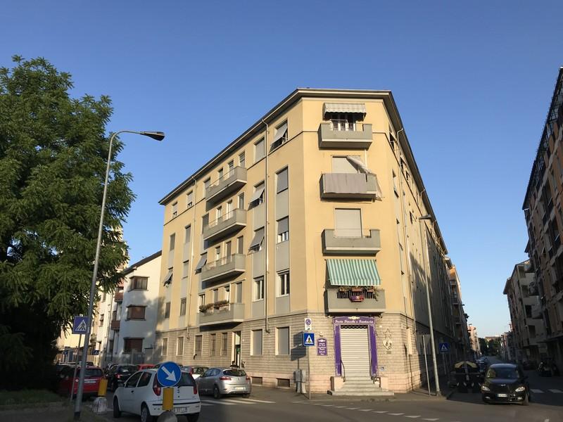 Alessandria affitto alloggio arredato con tre camere da letto for Affitto carpenedolo arredato