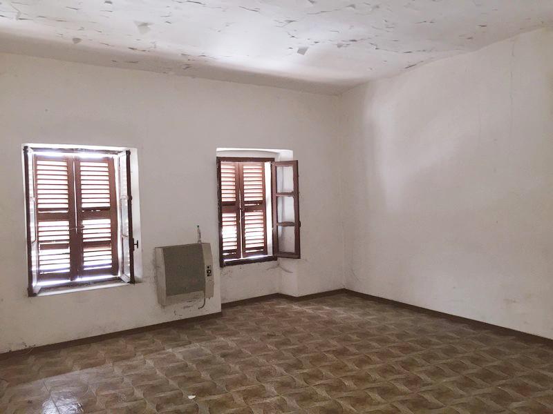 San salvatore vendita casa indipendente da ristrutturare for Casa indipendente da ristrutturare