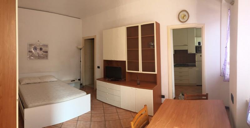 Alloggio arredato monolocale zona centro in affitto ad for Monolocale palermo affitto arredato
