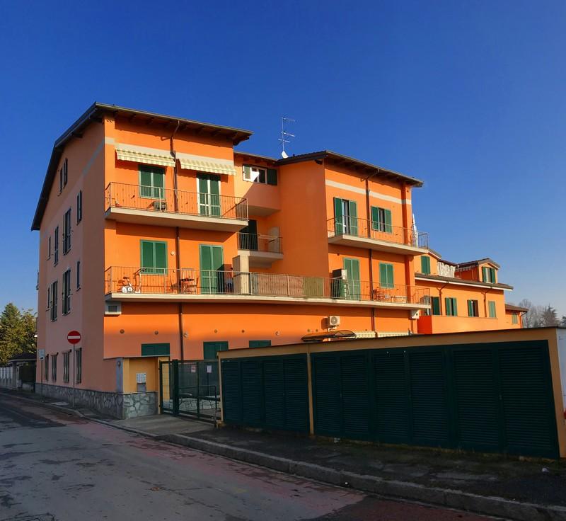 Appartamento arredato con terrazzo in affitto in for Affitto carpenedolo arredato