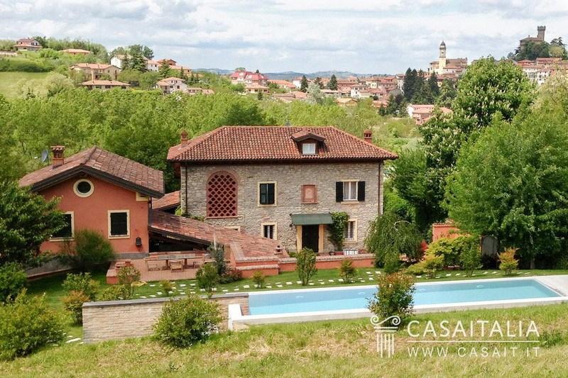 Cascina b b con piscina in vendita nel monferrato - B b con piscina ...