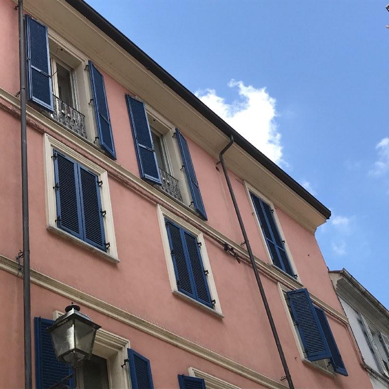 Appartamento con terrazza in vendita alessandria centro for Piano aperto su due livelli