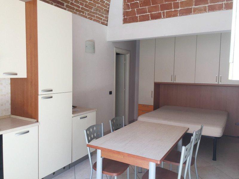 Affitto alessandria appartamento monolocale arredato con for Monolocale arredato affitto