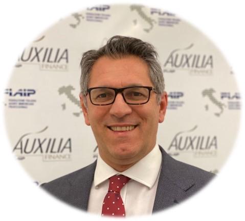 Gianluca-Pozzato-Mediatore-Creditizio-Auxilia
