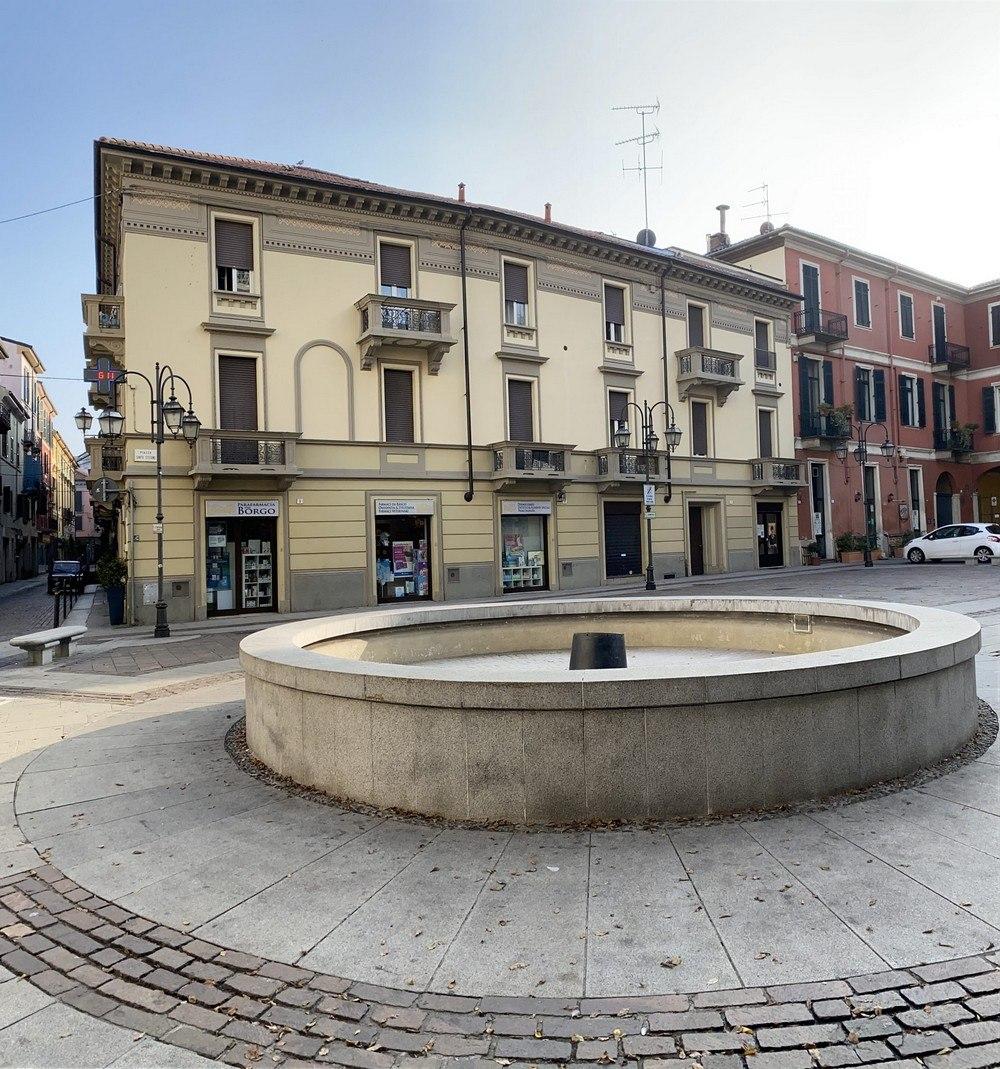 Visuale della palazzina in piazza Santo Stefano, Alessandria