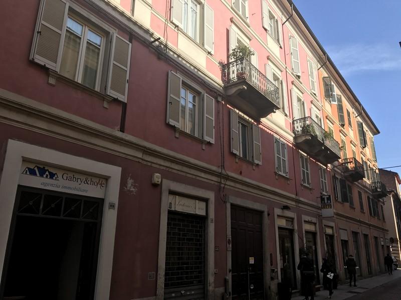 facciata principale appartamento ristrutturato in vendita Alessandria
